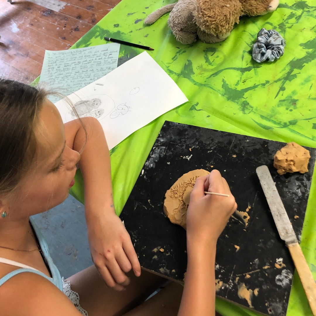 Class Image – Student Sculpting - Teens Art Club 2020 – click to view class details